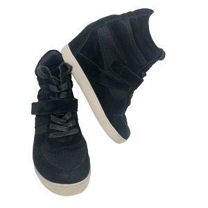 Steve Madden Olympa-M Sneakers  size 7.5